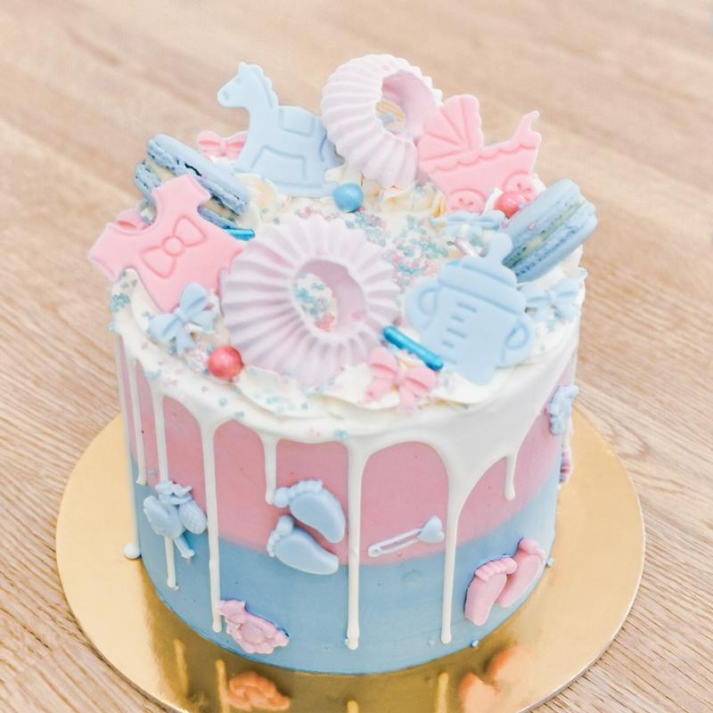 geder reveal cake torta