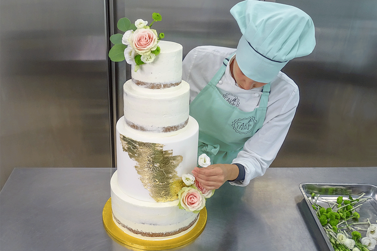 decorazione wedding cake seminuda fiori