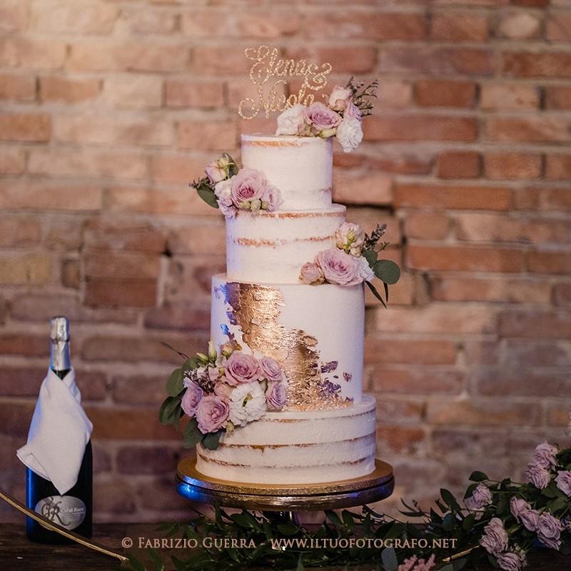 weddinga cake seminuda naked con inserto in foglia oro
