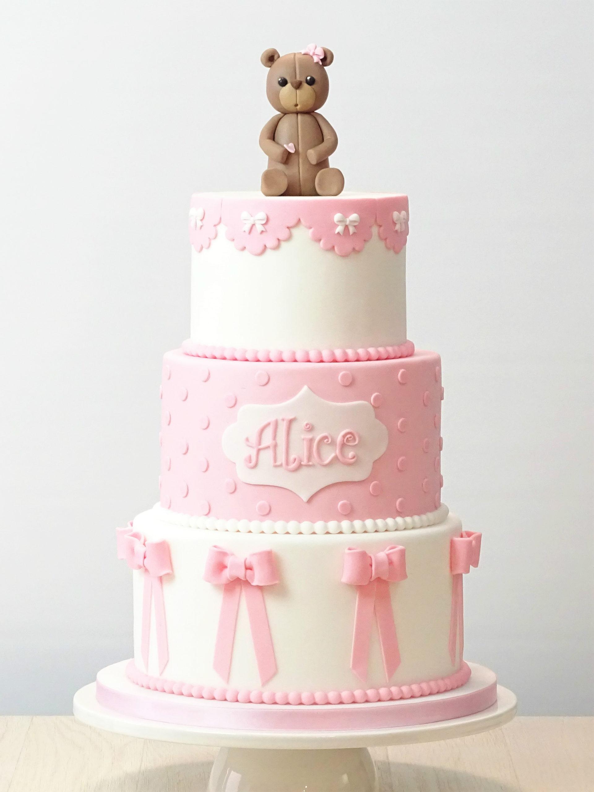 torta bianca e rosa per compleanno bimba con fiocchi pois e orsacchiotto