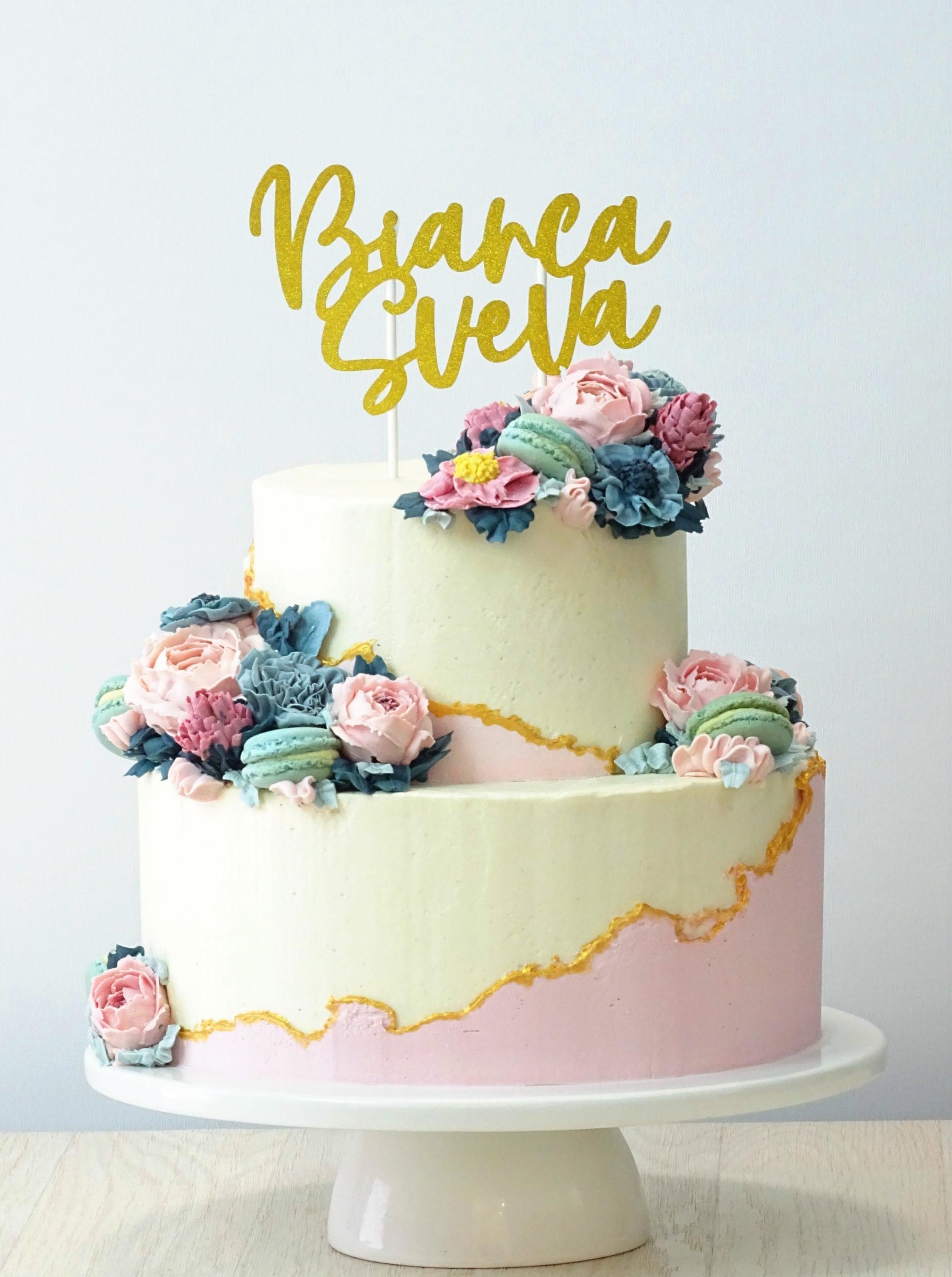 faulti linke cake bianca e rosa cn peonie fiori macaron