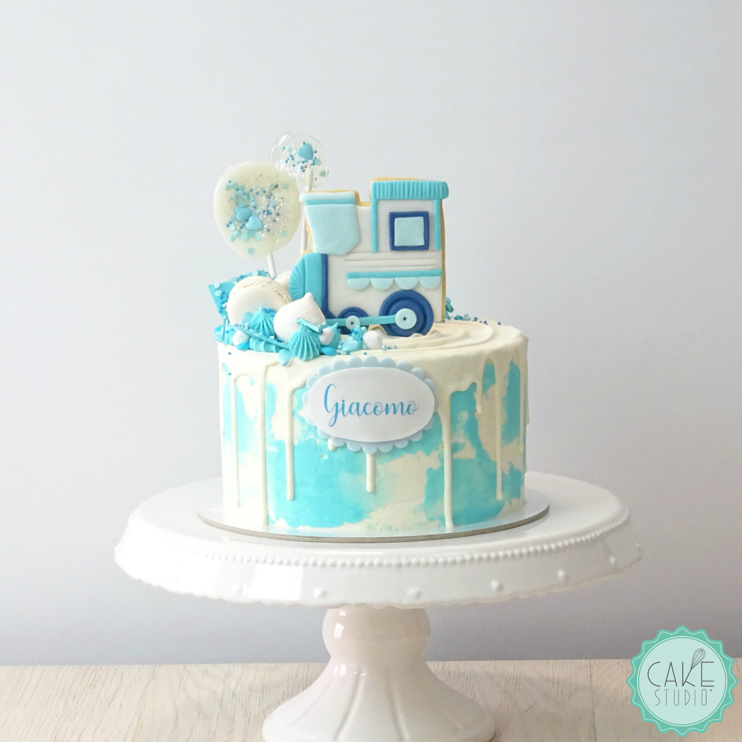 drip cake primo compleanno bambino biscotto locomotiva