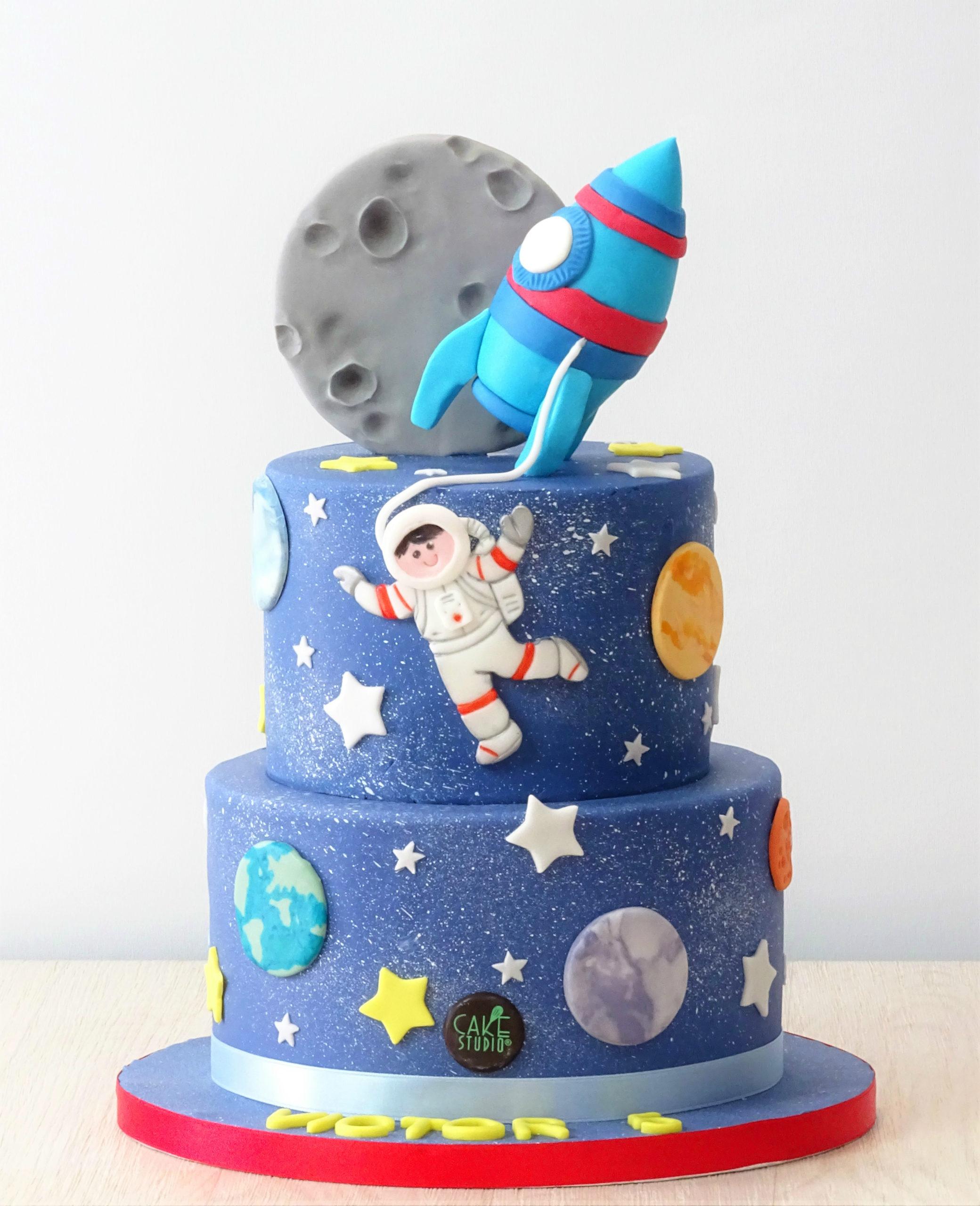 torta spazio pianeti astronauta razzo luna