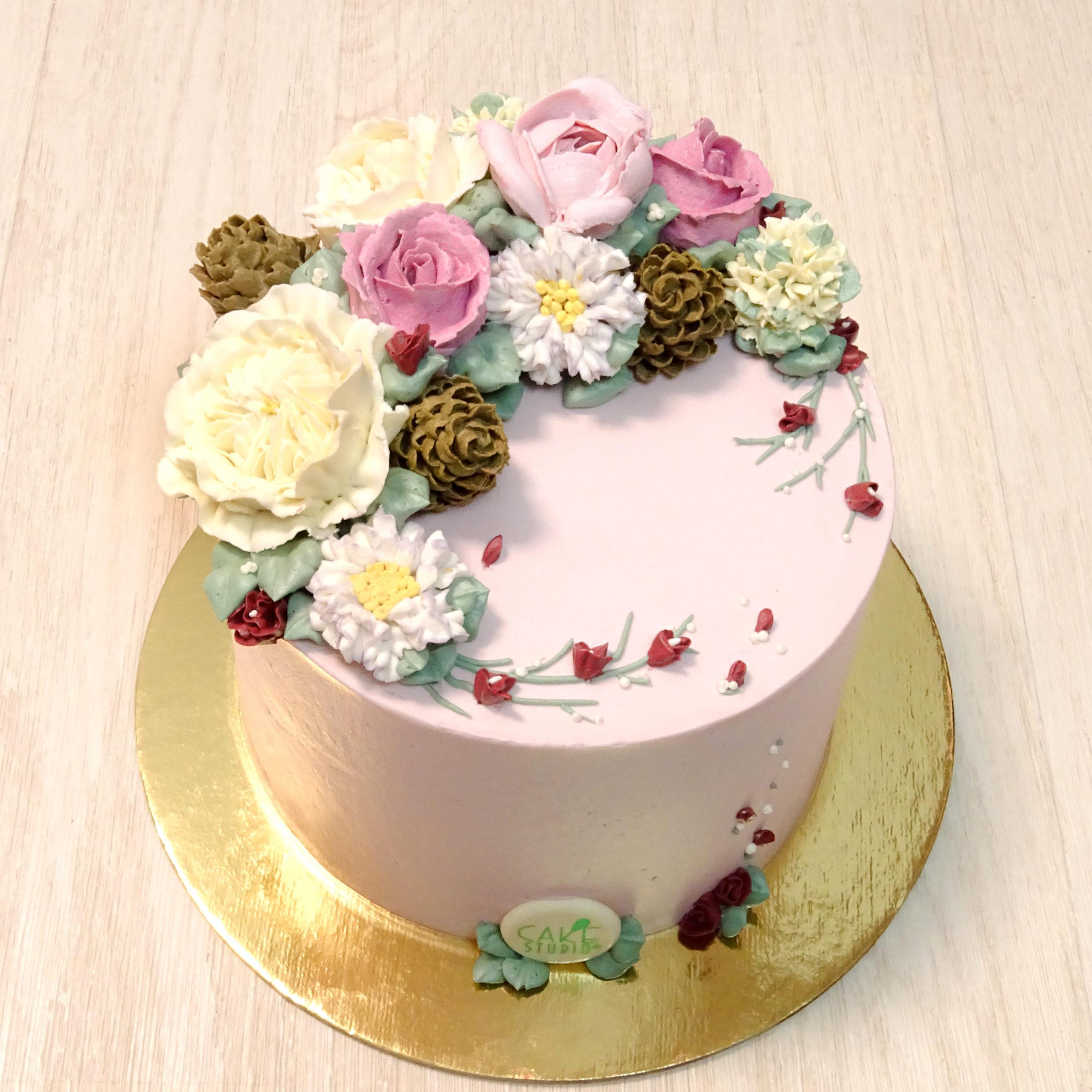 torta compleanno fiori pigne burro