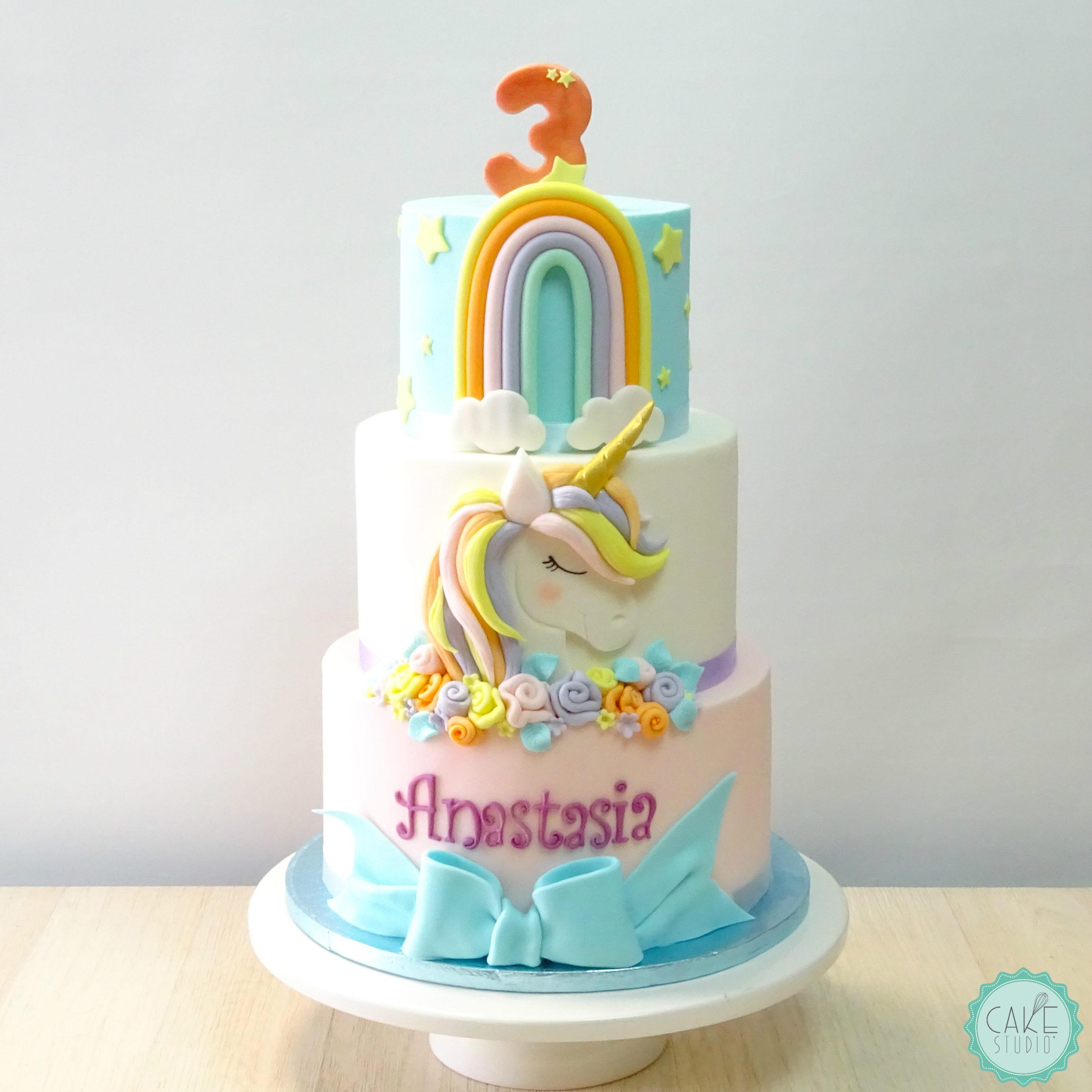 torta unicorno fiocco arcobaleno