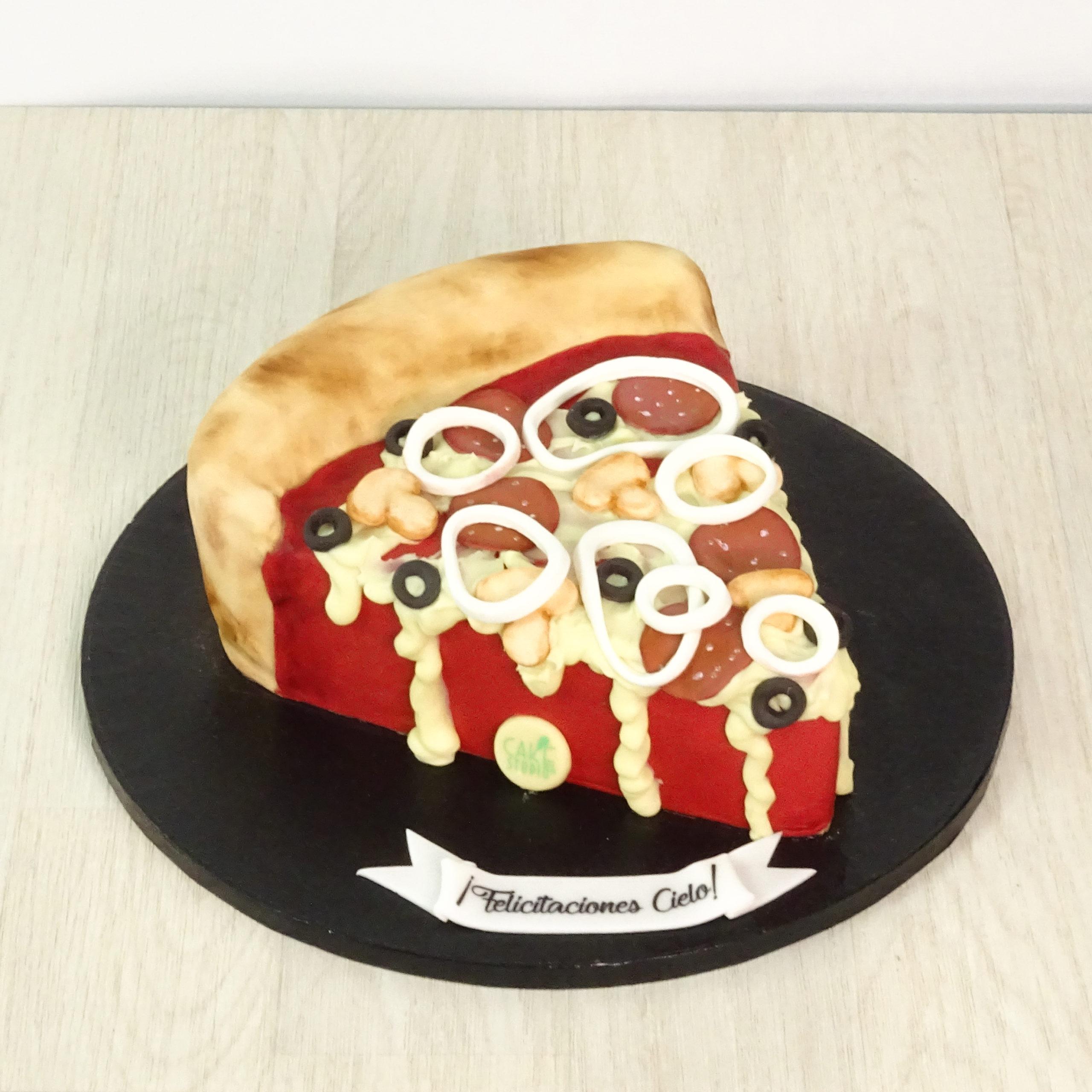 torta compleanno trancio pizza pomodoro mozzarella olive salame cipolla