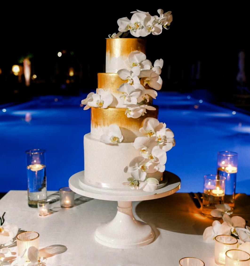wedding cake bianco oro orchidee bordo piscina hotel excelsior lido venezia