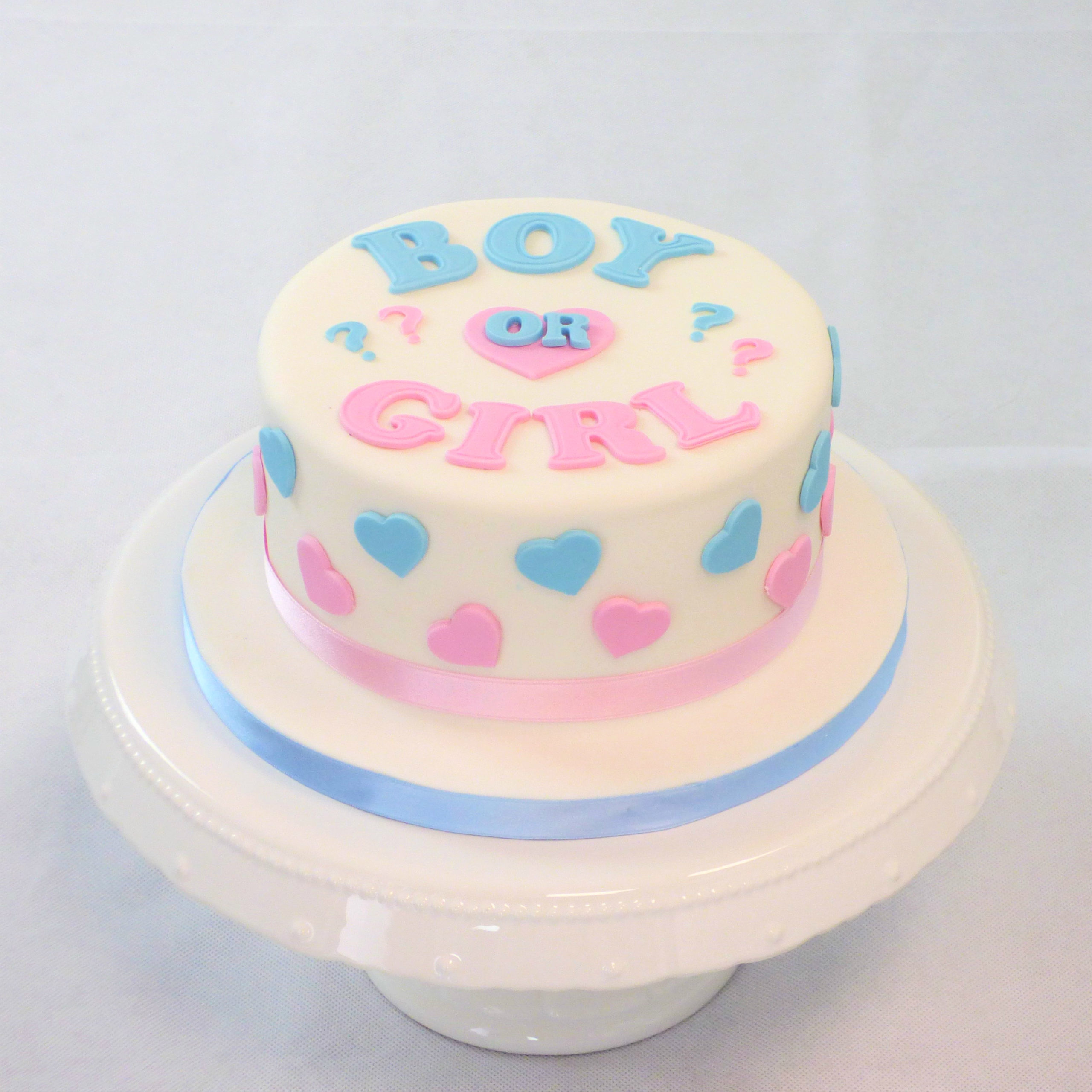 torta gender reval boy or girl bianca cuori azzurro e rosa
