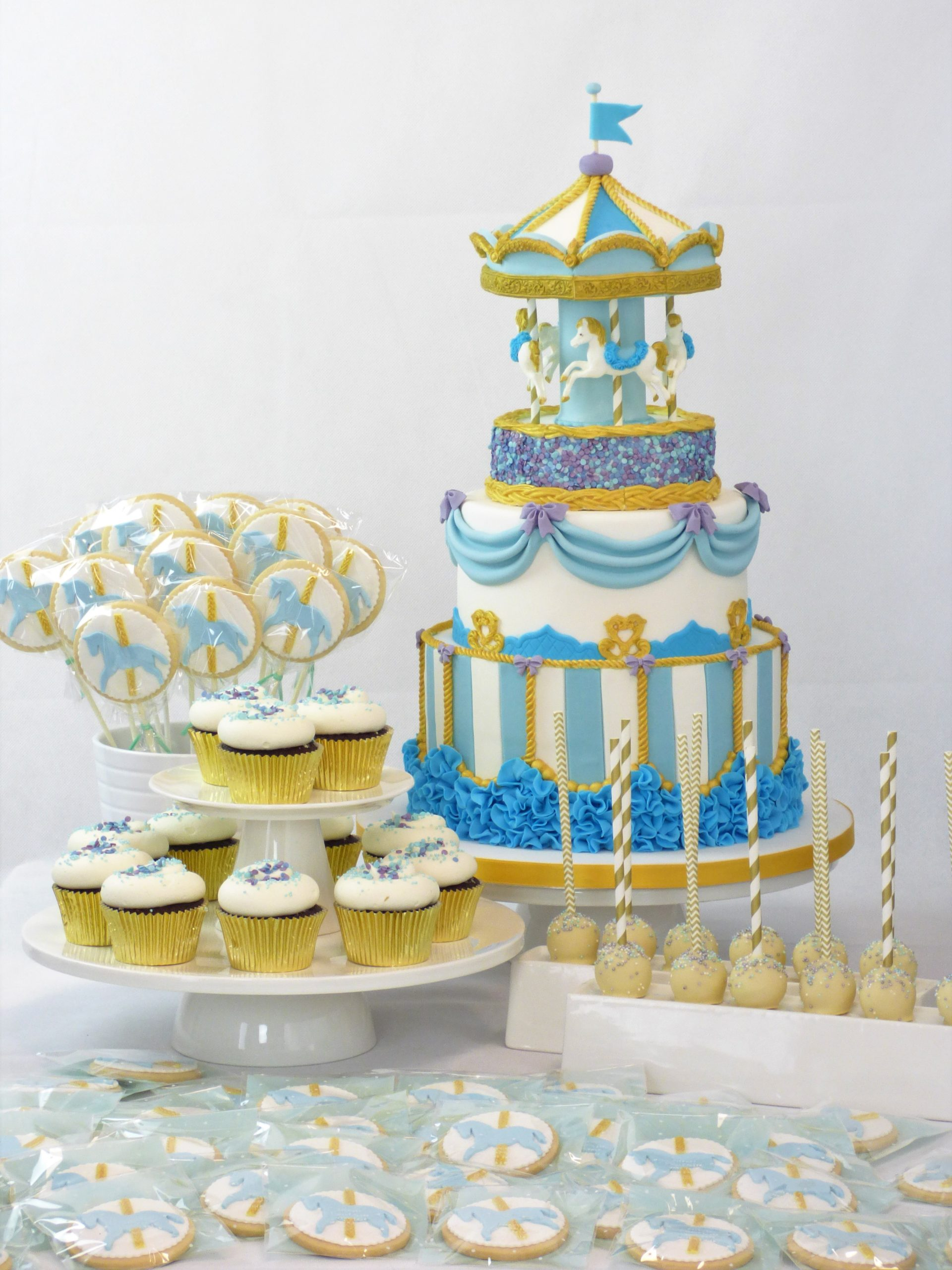 torta carosello cupcake biscotti su stecco cake pop